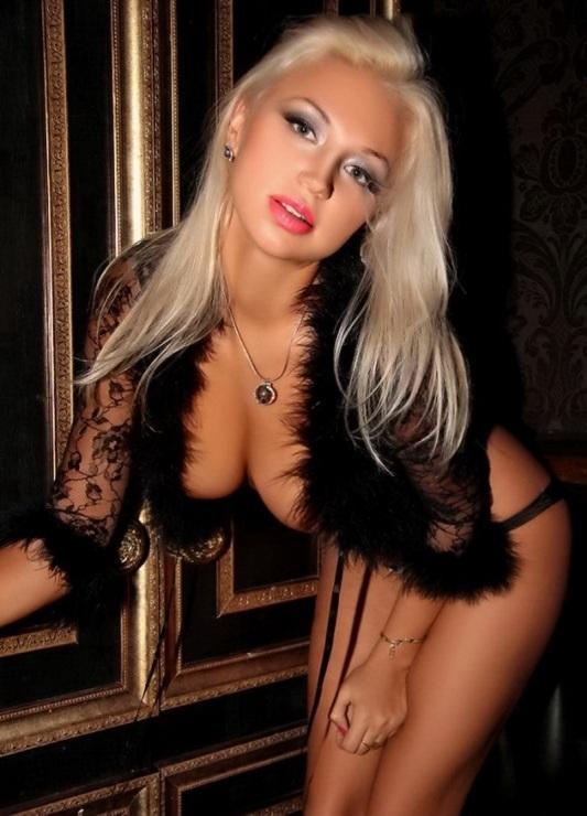 голая горячая девушка фото или видео